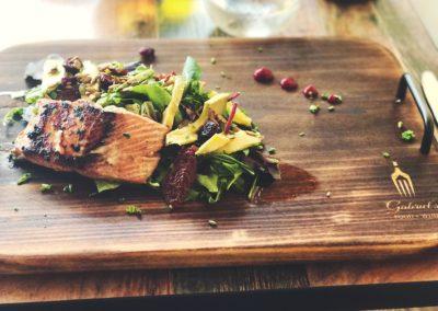 gabirel-food-wine-cutting-board